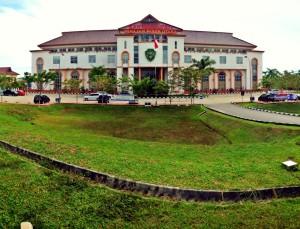 Kantor Bupati PPU di Kilometer 9 Nipah-nipah Penajam (L Gustian – Hello Borneo)