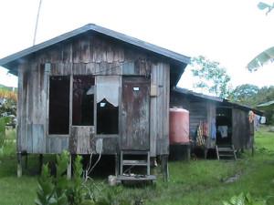 Salah Satu Rumah Gakin Sebelum Direhab (Humas – Pemkab PPU)