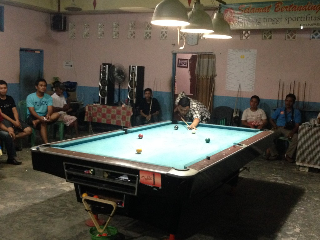 M Iqbal Rizki Juarai Turnamaen Biliar (L Gustian – Hello Borneo)