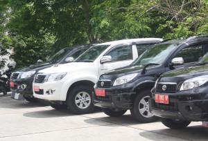 Kendaraan Dinas Pemerintah Kabupaten Penajam Paser Utara (Bagus Purwa - Hello Borneo)
