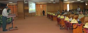 Kepala Badan Penanggulangan Bencana Provinsi  Kaltim, Wahyu Widi Heranata memberikan materi Sosialisasi Rehabilitasi dan Rekonstruksi Pasca Bencana (Iskandar - Humas Setkab Penajam Paser Utara)