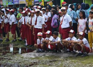 Siswa sekolah dasar Kabupaten Penajam Paser Utara (Suherman - Hello Borneo)