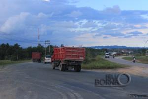 jalan negara  kilometer 9 Nipah-nipah, Kecamatan Penajam (Suherman - Hello Borneo)