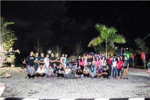 Komunitas Scoopy Penajam Paser Utara, saat menikmati malam di Taman Rozeline (Syherman - Hello Borneo)