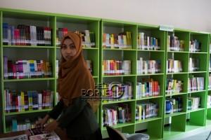 Ribuan buku tersedia di Perpustakaan Daerah di  Kantor Kompleks Islamic Center Kecamatan Penajam, Kabupaten Penajam Paser Utara (Suherman - Hello Borneo)