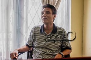 Sekertaris Disosnaker Kabupaten Penajam Paser Utara, Andi Sengkeru (Suherman - Hello Borneo)