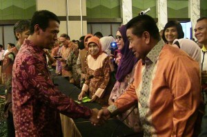 Bupati Penajam Paser Utara PPU, H. Yusran Aspar bersama para Bupati dan Walikota selaku Ketua DKP Daerah (Subur - Humas Setkab PPU)