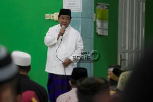 Bupati Penajam Paser Utara, Yusran Aspar ketika melakukan  Safari Ramdhan di Masjid Al-Ula, Kelurahan Nenang (Suherman - Hello Borneo)
