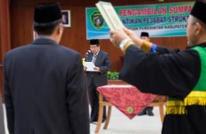 Pengambilan sumpah pejabat struktural eselon III Kabupaten Penajam Paser Utara (Suherman - Hello Borneo)