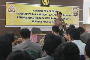 FOKUS. 110 Personil Polres dan Polsek di Kabupaten Paser saat mengikuti Lapraops di Aula Polres Paser. (Rapal JKN - Hello Borneo)