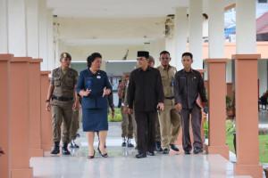 Wakil Bupati Mustaqim MZ saat melakukan sidak ke RSUD Penajam Paser Utara (AH Ari B - Hello Borneo)