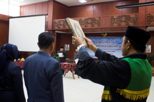 Pelantikan dan pengambilan sumpah janji 61 kepala sekolah dan pengawas sekolah di lingkungan Pemerintah Kabupaten Penajam Paser Utara (Suherman - Hello Borneo)