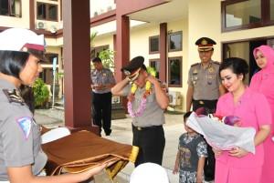 Pisah sambut AKBP Joudy Mailoor (depan) sebagai Kapolres Penajam Paser Utara digantikan AKBP Raden Djarot Agung Riada (belakang) (Dika - Hello Borneo)