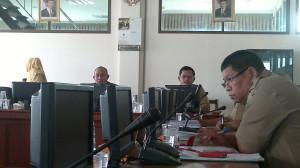 Rapat dengar pendapat Komisi I DPRD dengan Pemerintah Kabupaten Penajam Paser Utara bahas mutasi pegawai eselon I, II dan IV yang diduga salah prosedur (Bagus Purwa - Hello Borneo)