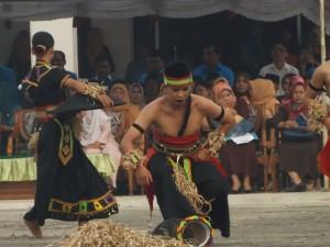 Peringatan Sumpah Pemuda ke-84 di Kabupaten Paser berisi acara budaya. (Rapal JKN - Hello Borneo)