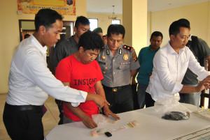 Polres Penajam Paser Utara, menerima AH tersangka kasus narkoba beserta barang bukti dari Kodim 0913 (Dika - Hello Borneo)