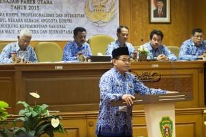 Pelaksana Tugas Sekretaris Kabupaten Penajam Paser Utara, Tohar meberikan sambutan setelah terpilih sebagai Ketua Pengurus DPD Korpri (Suherman - Hello Borneo)
