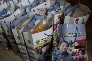 1.000 souvenir pada Grounbreaking Borneo Railway di Kabupaten Penajam Paser Utara. (Suherman - Hello Borneo)