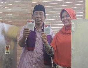 KO. Bambang Susilo harus mengakui keunggulan lawannya di TPS tempatnya memilih. (Rapal JKN - Hello Borneo)