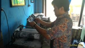 Material TNKB tiba di Polres Paser. (Rapal JKN - Hello Borneo)