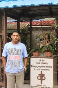 Pastor Gereja Katolik Paroki Allelui, Zakeus Daeng Lio, Pr. (Rapal JKN - Hello Borneo)