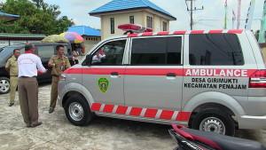 Desa Girimukti mendapatkan mobil ambulans dar Pemerintah Kabupaten Penajam Paser utara (Alpian - Humas Setkab Penajam Paser Utara)