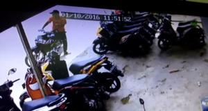 Aksi pelaku terekam CCTV. (Rapal JKN - Hello Borneo)