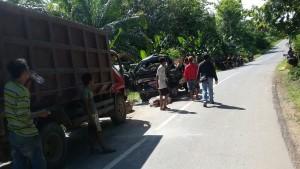 Tabrakan maut di Kabupaten Paser tewaskan pasangan suami istri. (N Sya)