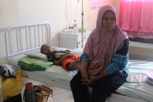 Seorang anak dirawat di rumah sakit karena terserang DBD (Rapal JKN - Hello Borneo)