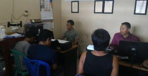Tiga pengedar sabu-sabu menjalani pemeriksaan di Mapolres Paser (Rapal JKN - Hello Borneo)