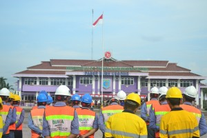 Pemkab Paser Gelar upacara peringatan K3. (N Sya - Hello Borneo)