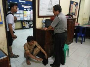 Pelaku maling aki diamankan polisi. (MR Saputra - Hello Borneo)