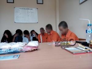 Pelaku penyalahgunaan narkoba dan obat-obatan terlarang beserta barang bukti yang berhasil diamankan Polres Penajam Paser Utara (AH Ari B - Hello Borneo)
