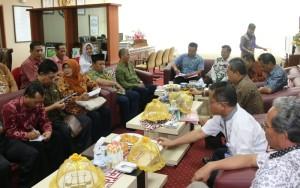 Plt Sekkab Penajam Paser Utara, Tohar menerima kunjungan kerja DPRD Kabupaten Kediri (Subur Priono - Humas Setkab Penajam Paser Utara)