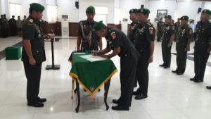 Pangdam VI Mulawarman Mayjen TNI Indra Pujihastono memimpin Serah Terima Jabatan. (Ramadhanesia - Hello Borneo)