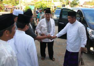 Bupati Penajam Paser Utara, Yusran Aspar bersama Wakil Gubernur Kaltim Mukmin Faisyal saat melakukan Safari Ramadhan tahun 2015 (Subur Priono - Humas Setkab Penajam Paser Utara)