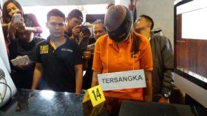 Ibu pembuang bayi di Samarinda jalani rekontruksi. (MR Saputra - Hello Borneo)