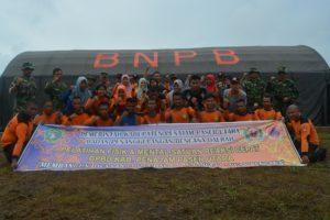 Personel satuan reaksi cepat BPBD Kabupaten Penajam Paser Utara, ikuti latihan fisik dan mental untuk tingkatkan kemampuan serta keterampilan (AH Ari B - Hello Borneo)