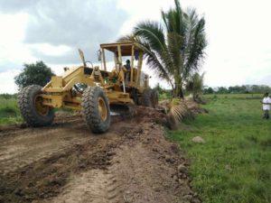 UPT PU kerjalan jalan usaha tani Desa Sidorejo, Kabupaten Penajam Paser Utara (Subur Priono - Humas Setkab Penajam Paser Utara).