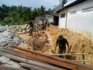 Kegiatan TMMD di Desa Girimukti, Kecamatan Penajam, Kabupaten Penajam Paser Utara (Subur Priono - Humas Setkab Penajam Paser Utara)