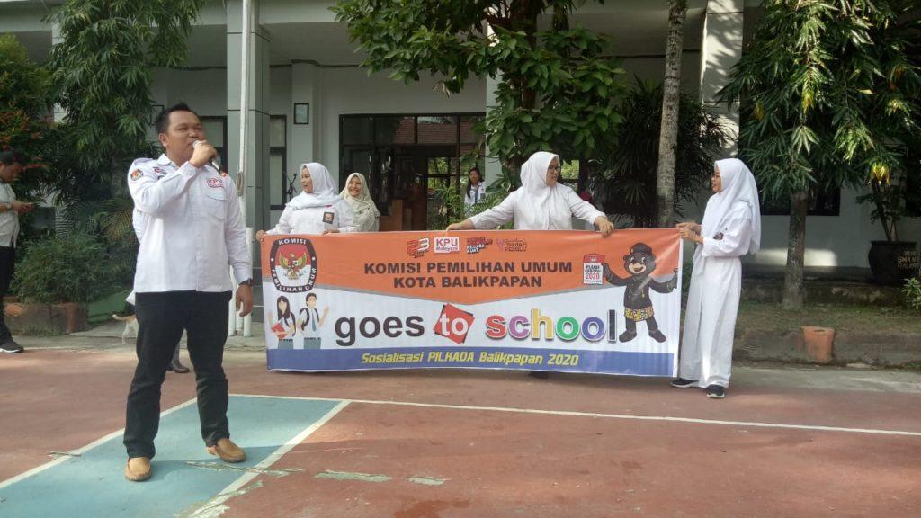 KPU Balikpapan Melakukan Sosialisasi Pilkada 2020 dengan Goes To School. (Ist)