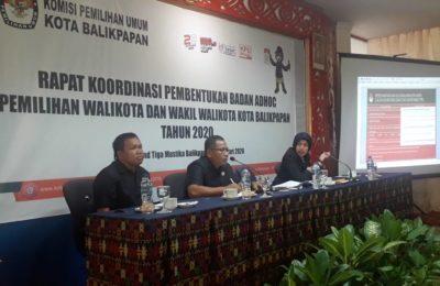 Rapat koordinasi pembentukan ad hoc pemilihan Pilkada 2020. (Aditya – Hello Borneo)