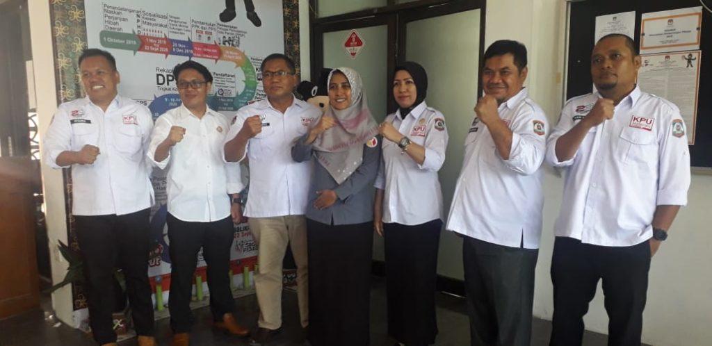 KPU Balikpapan melakukan pertemuan dengan Bawaslu Balikpapan. (Aditya – Hello Borneo)