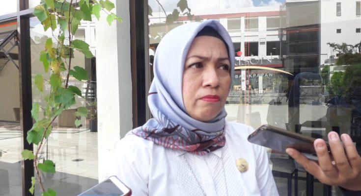 Komisioner KPU Balikpapan – Mega Fariany Ferry. (Aditya - Hello Borneo)