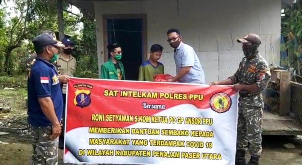 Gp Anshor Cabang Kabupaten Penajam Paser Utara memberikan bantuan. (Ist)