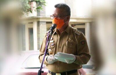 Syaharie Jaang mewajibkan warga Samarinda memakai masker di luar rumah. (humas pemkot samarinda)