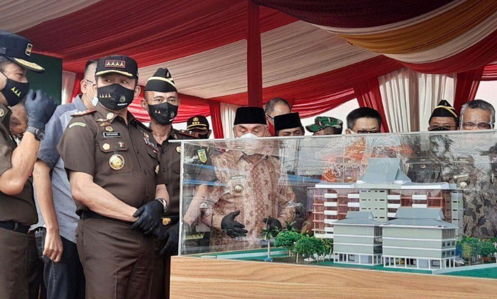 Jaksa Agung, Sanitar Burhanuddin saat meresmikan pembangunan awal Gedung Kejaksaaan Tinggi Kaltim, Jum'at (7/08/2020). (Ist)