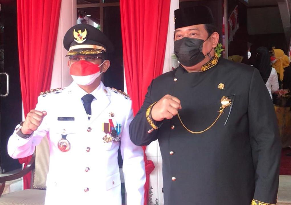 Foto Walikota Balikpapan, Rahmad Mas'ud Bersama Ketua DPRD Balikpapan, Abdulloh.
