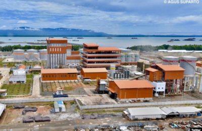 Pabrik biodiesel PT Jhonlin Group diharapkan akan menciptakan banyak lapangan pekerjaan, menjaga stabilisasi harga CPO, dan berkontribusi mengurangi emisi gas rumah kaca. (Foto: Agus Suparto/Twitter @jokowi)