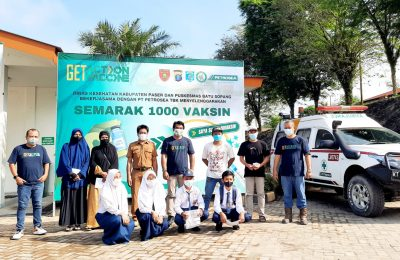 PT Petrosea Tbk Site PT Kideco Jaya Agung bekerja sama dengan Dinas Kesehatan Kabupaten Paser serta Puskesmas Batu Sopang melakukan kegiatan semarak 1.000 vaksinasi. (TBS)